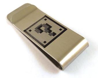 8-Bit Gamer Mystery Box Stainless Steel Money Clip 8 Bit Old School Video Game Money Box Question Mark Billfold