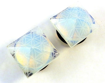 """Flower of Life Opalite Faceted Single Flare Plugs - 2g (6mm) 0g (8mm) 00g (10mm) 1/2"""" (13mm) 9/16"""" (14mm) 5/8"""" 16mm Pyramid Ear Plugs Gauges"""