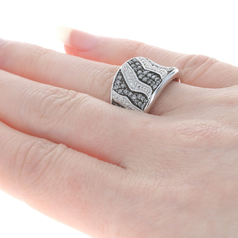 Sterling Silver 6 34 Animal Print Pattern .78ctw MQ3141 Contoured Diamond Ring