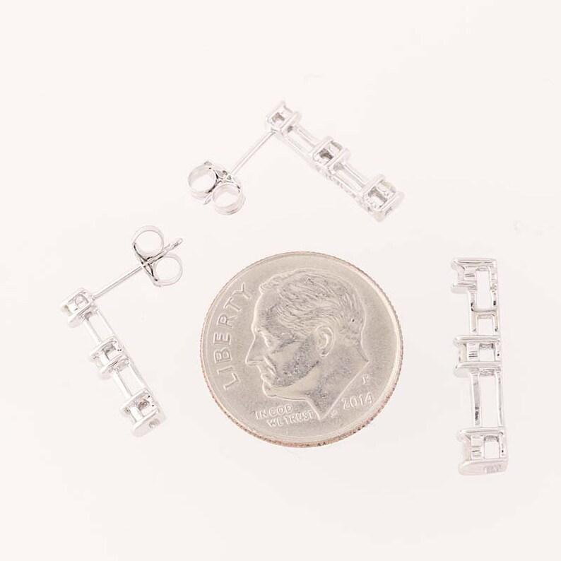 10k Gold Round Brilliant Cut Pierced .25ctw Diamond Journey Earrings /& Pendant