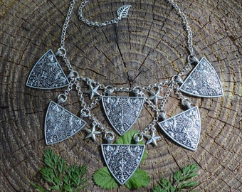 Medieval shield charm necklace fantasy elven choker, lady knight coat of arms Renfaire jewelry, elf armour gothic bib necklace witchy choker