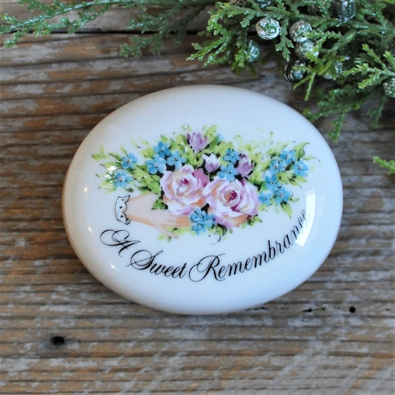 Ring Rose Butterfly Jewelry Flower Calla Lily Ceramic Handmade Trinket Box Gold