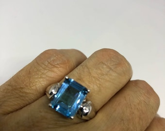 Start Your Holiday Shopping!!! Vintage geniune blue topaz 925 sterling silver rhodium Ring