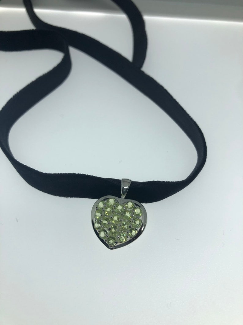 Vintage 925 Sterling Silver Real Green Peridot heart pendant necklace