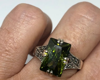 Vintage Green Peridot Setting 925 Sterling Silver Marcasite Gothic Ring Size 8