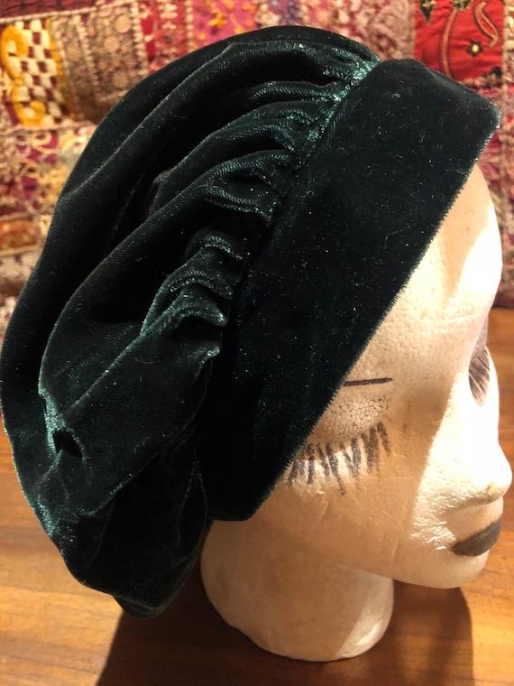 Vintage Green Velvet 10 inch beret hat