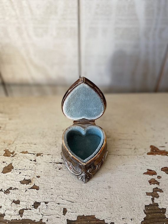 Vintage Silver Jewelry Box // Heart Ring Box
