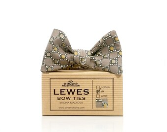Grey and mustard yellow geometric silk self tie bow tie