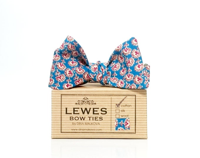 Floral self-tie bow tie with floral print in burgundy on teal