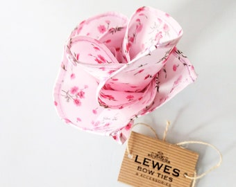 Mens pocket square pink floral cotton | wedding floral pocket square | mens pink floral pocket square with mini floral print