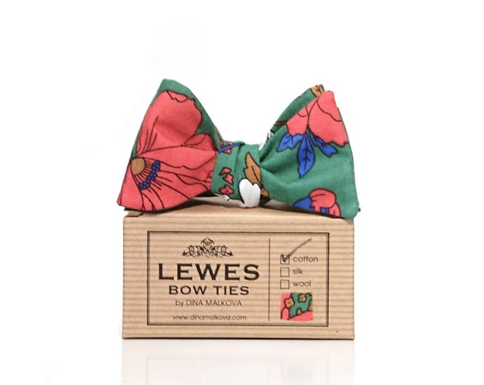 Self tie bow tie green red floral cotton | Red and white flowers on green cotton self tie bow tie | wedding floral bow tie green and red