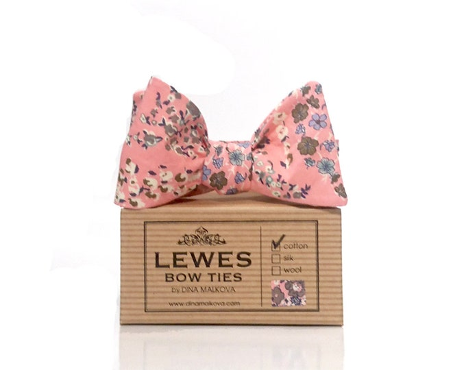 Men's peach pink floral cotton self tie bow tie, peach pink floral bow tie made from cotton fabric, peach pink floral bow tie with daisies