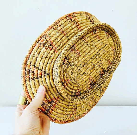 Vintage Coiled Oval Woven Grass Basket Ethnic Geometric Hand Woven Straw Display Basket Boho Bohemian Decor