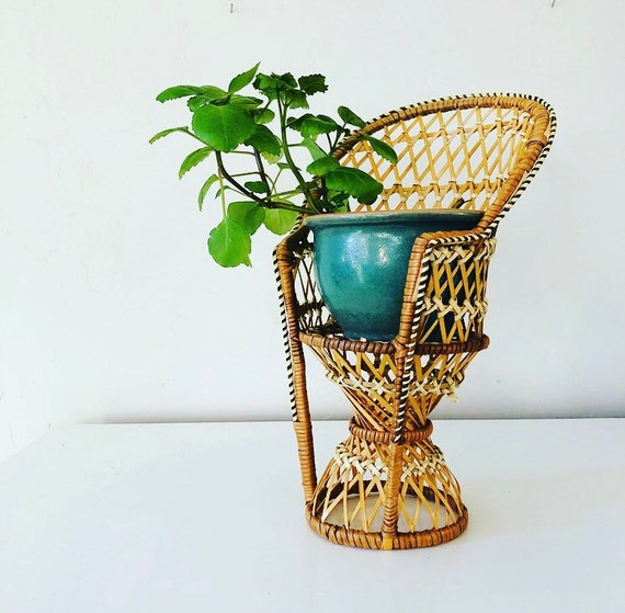 Vintage Miniature Wicker Peacock Chair Small Bohemian Woven Raffia Plant Stand Doll Chair Boho Decor