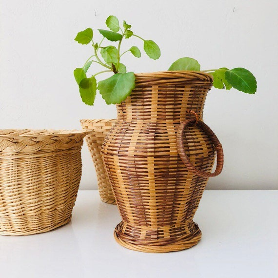 Vintage Woven Wicker Basket Brown and Beige Basket with Wicker Rattan Indoor Plant Basket with Handle Rings Boho Decor