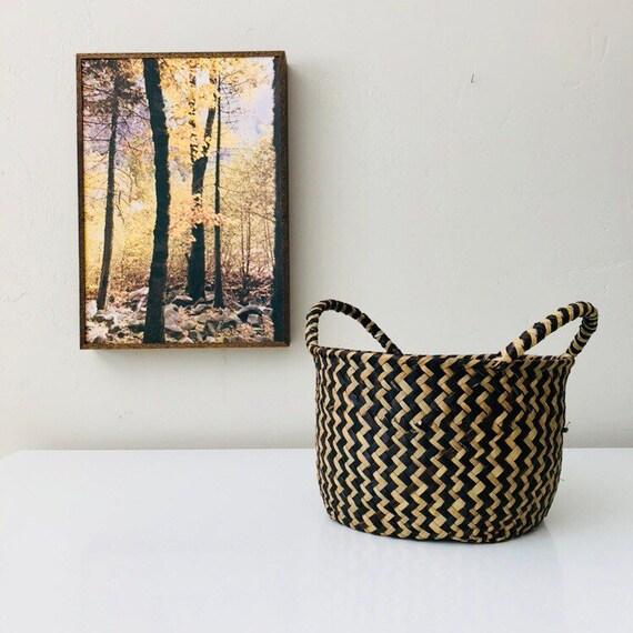 Vintage Black Woven Rattan Basket Natural Woven Wicker Geometric Storage Basket with Handles Plant Holder Boho Decor