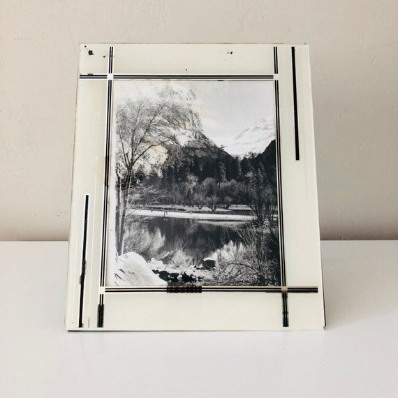 Vintage Art Decor Glass Picture Frame Reverse Painted Black and White Striped Tabletop Frame Landscape Framed Photograph Silver Mirrored