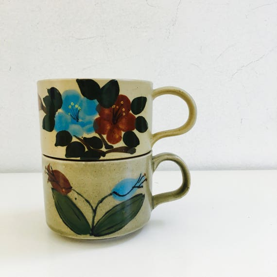 Vintage Stoneware Coffee Mugs Stackable Set of (2) Retro Flowers Floral Soup Bowls