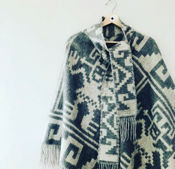 Vintage Wool Poncho Gray Peruvian Geometric Cape with Fringe