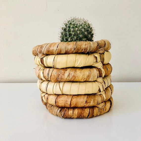 African Vintage Banana Leaf Basket Round Coil Planter Basket Natural Bohemian Boho Storage Basket Jungalow Decor