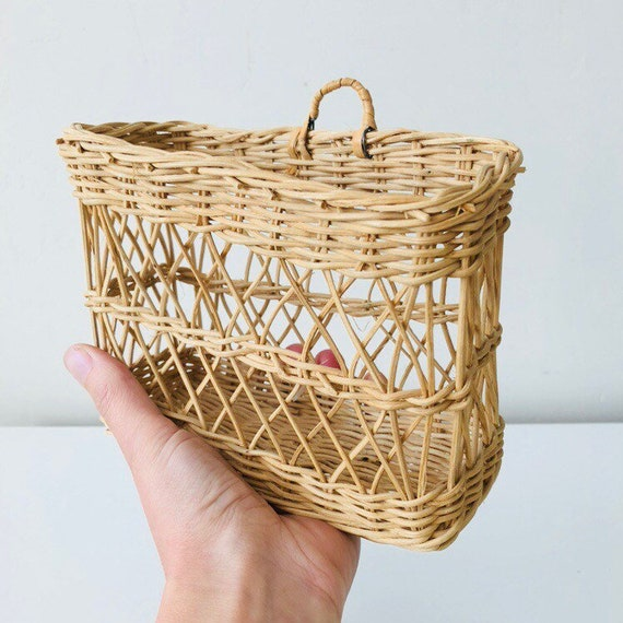 Vintage Wicker Wall Basket Natural Woven Wicker Wall Pocket Plant Basket Letter Organizer Boho WallDecor