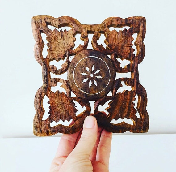 Vintage Handcarved Wood Trivet Ornate Leaf Motif Shell Inlay Vintage Kitchenware Plant Stand Vintage Rustic Home Decor