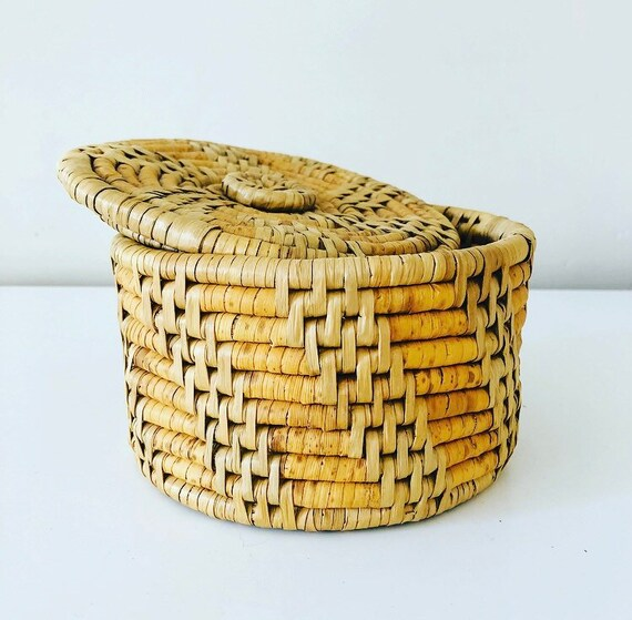 Vintage Grass Basket with Lid Small Geometric Woven Straw Coiled Lidded Storage Container Boho Decor