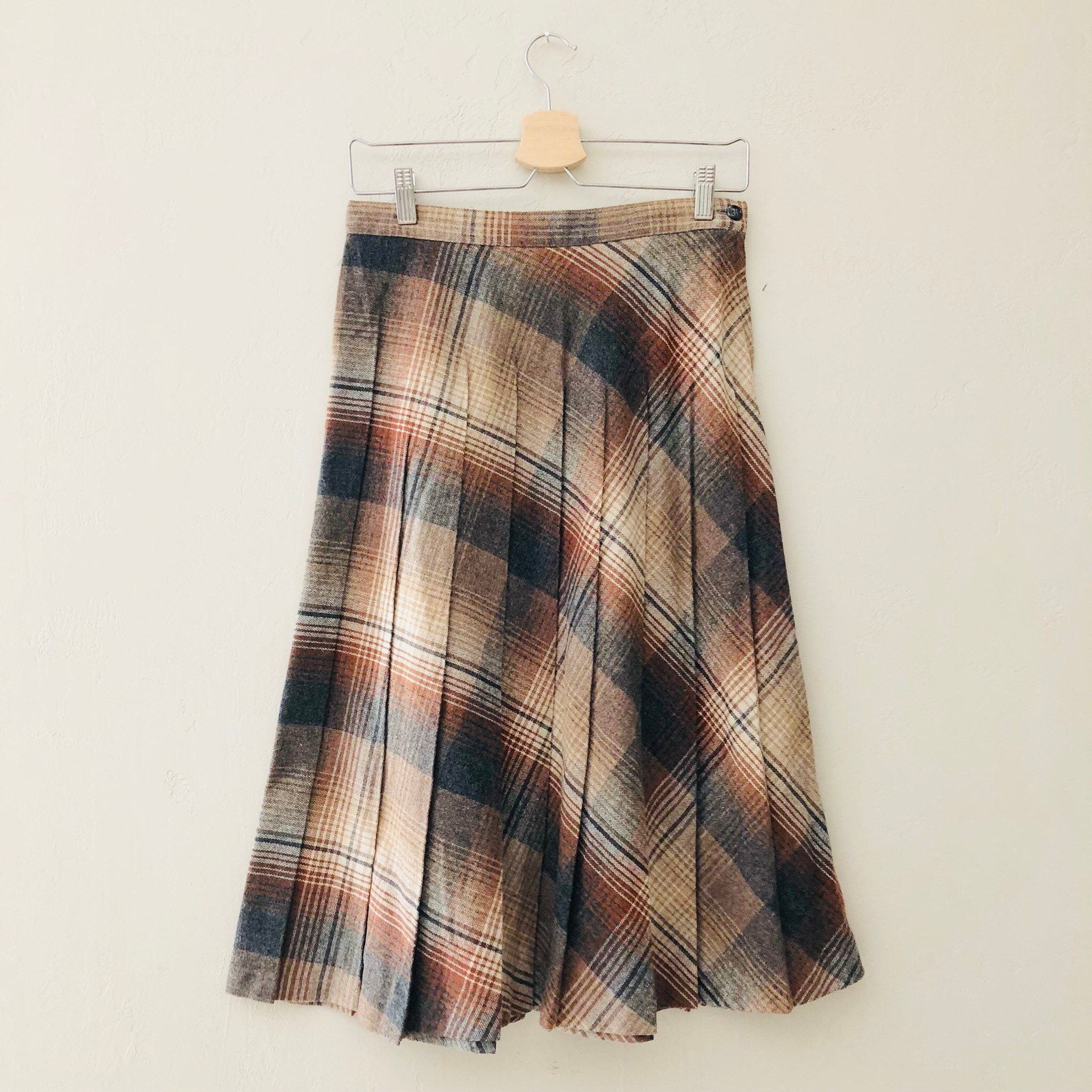 97cf74cce Plaid Pleated Skirts For Sale – DACC