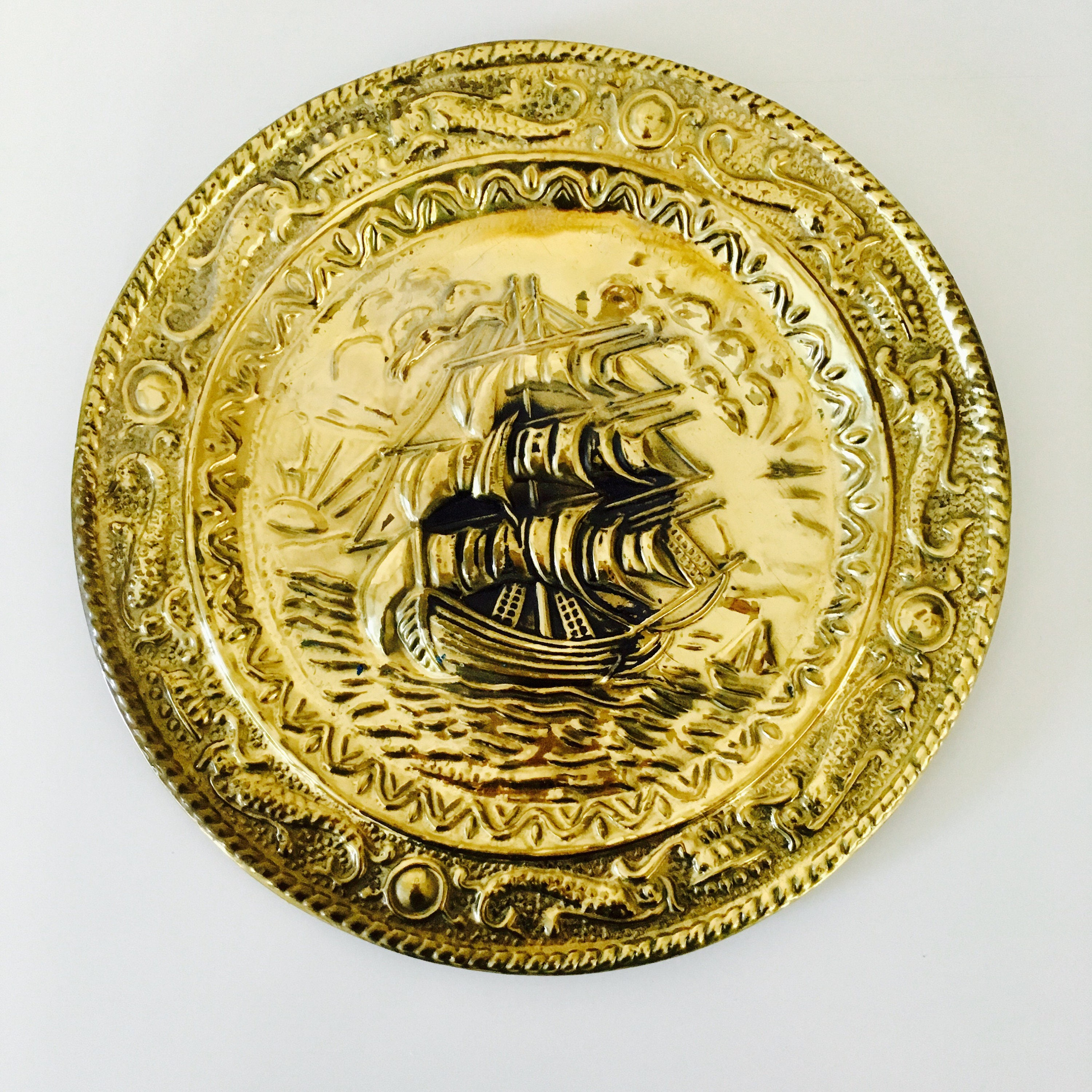 Vintage Brass Wall Plate Gold Tone Nautical Themed 9 1/2 Diameter ...