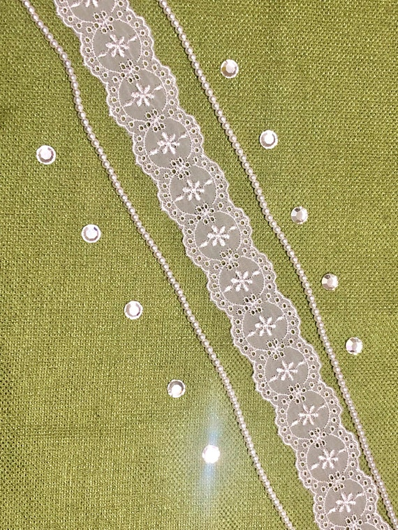 """Vintage Trim White with Green Embroidered 1//2/"""" Wide Trim by the Yd"""