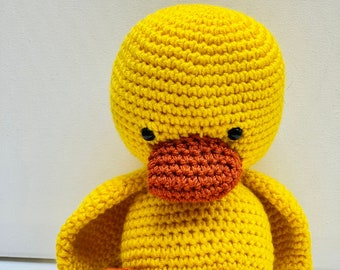 Handmade stuffed cute crochet duckling, soft duck plushie, yellow duckling nursery theme, baby shower gift, plush yellow duck, gift for baby