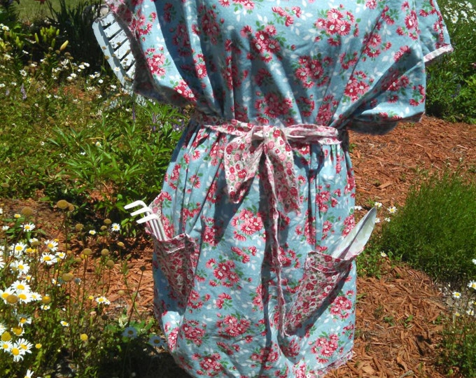 "Blue and pink floral 1930 reproduction printed ""mama""apron tunic"