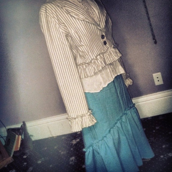 Going to St Louis of Elegance in Time blue mermaid skirt