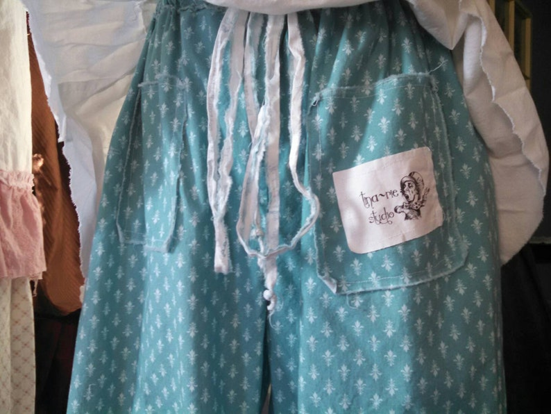 add pockets to your bloomers or pantaloons image 0
