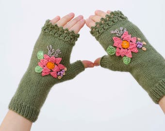 Emblished gloves knitted fingerles gloves with embriodery in green
