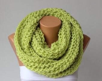 Chunky crochet inifinity loop scarf, purple crochet scarf , chunky crochet scarf ,big crochet scarf, infinity chunky , crochet cowl chunky