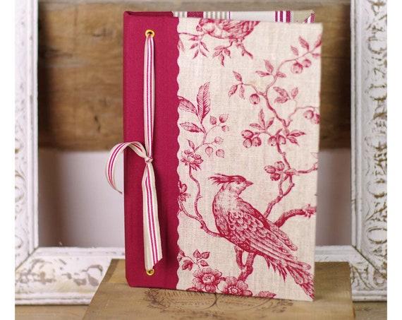 """Agenda du jardin  """" Un art de vivre à la française"""" l'oiseau toile de jouy lin rouge"""