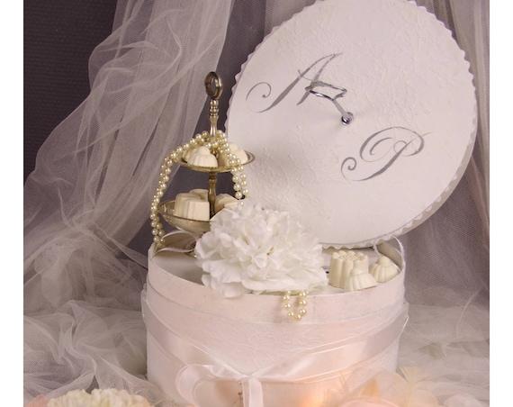 Cadeau Mariage Urne mariage et sa jolie dentelle de Calais