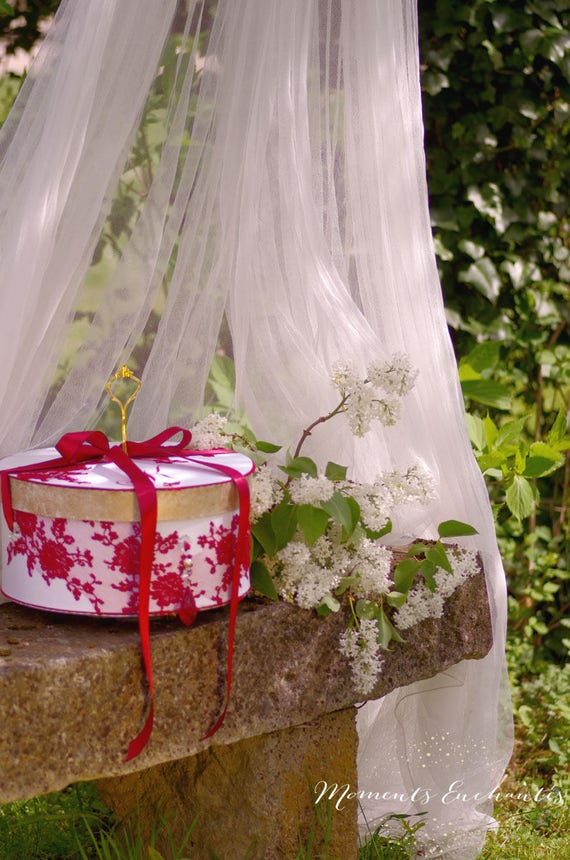 Coffret  mariage  urne dentelle boite à dons dentelle boite à souvenirs white and red silk ribbon
