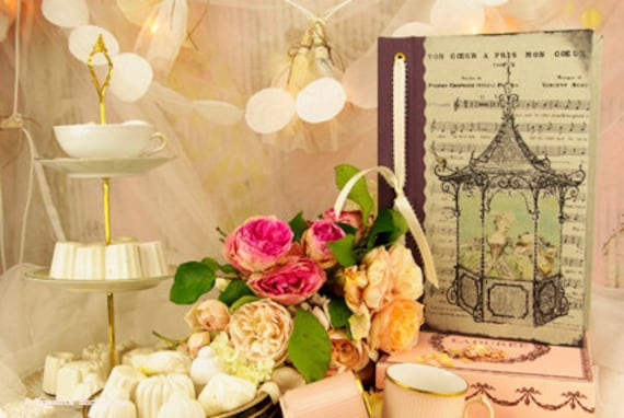 """Guest book """"Marie Antoinette"""" wedding baroque victorian French made"""