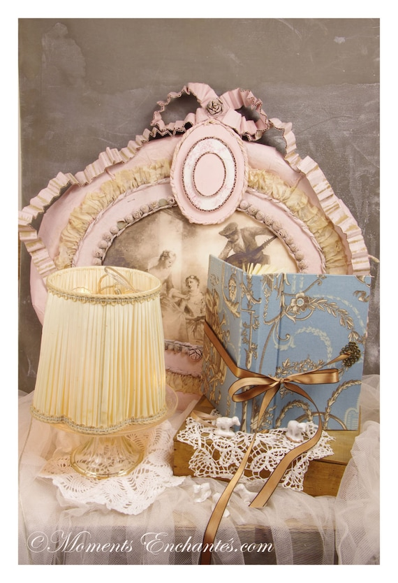 Telephone book's ornements Marie antoinette style mothers' Day