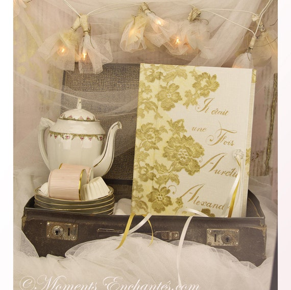 "Guest book ""Nuage de Dentelle"" gold lace from Le Pas de Calais french lace  with your name Personalized"