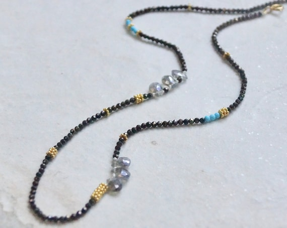 Delicate necklace/bronze hematite and labradorite