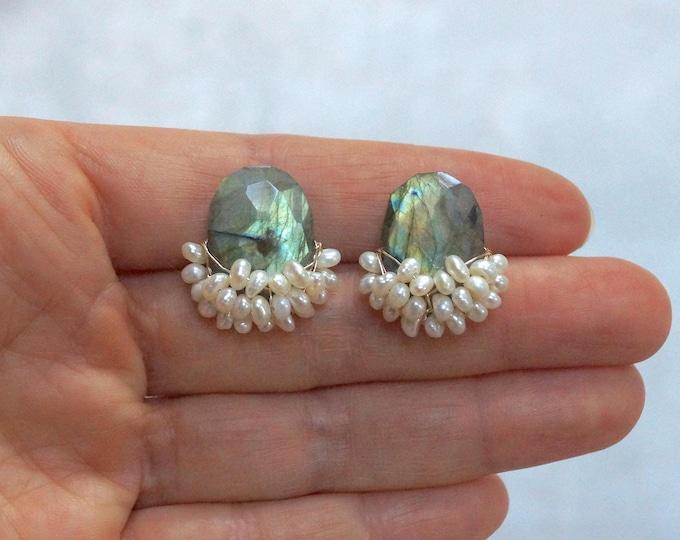 Large labradorite stud earrings/labradorite wire earrings/gemstone cluster earrings/small pearl cluster studs/healing stone