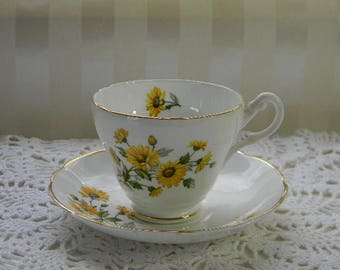 TEACUP, Vintage Regency Bone China Teacup