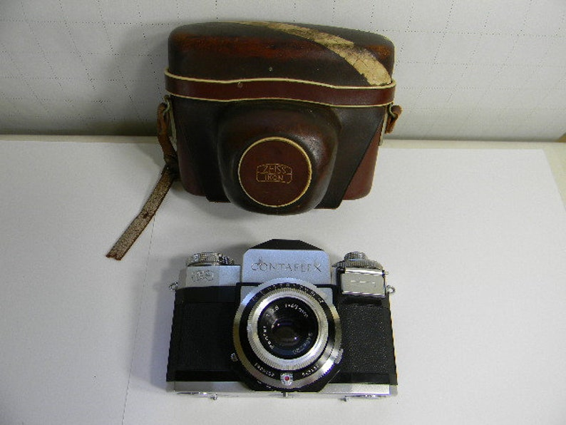 Vintage ZEISS IKON CONTAFLEX Germany Camera with Case