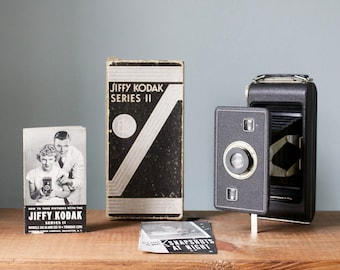 Antique Vintage 1940's Jiffy Kodak Six - 16 Series II Folding Bellows Camera with Original Box