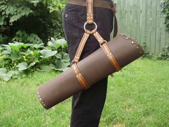 cosplay. you can choose the straps color Quality leather belt quiver LARP