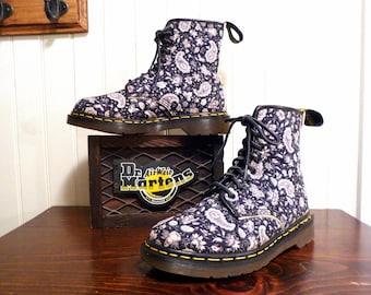 RARE Vintage Dr Martens Navy Blue & Gray Paisley 1460 Combat Boot UK 6  / USA Men's 7  or Women's 8 / Eu 39 ... Made In England