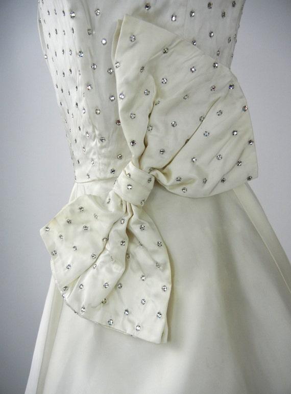 Vintage 50s Dress, Vintage Ivory Satin Dress, 195… - image 4